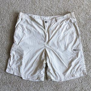 Columbia Men's Cargo Shorts Beige Size 40